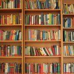 私は私の本棚を覗かれたくないが、kindleなら覗かれないよね!うつ病患者にはオススメkindle。